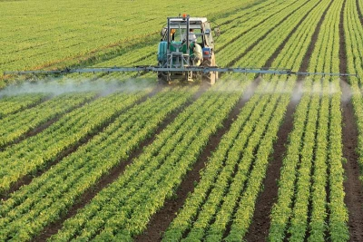 http://www.ecotierra.co/en/blog/climate-change-the-gift-that-keeps-on-giving/attachment/tractor-spraying-pesticide-128kb-2/
